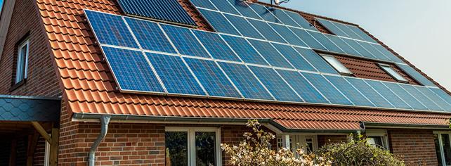 Installation des panneaux aérovoltaïques